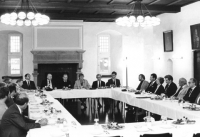 Gründungssitzung 1983 im Rittersaal des Schlosses Broich